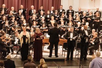 Elmhurst Choral Union: The Many Moods of Christmas...