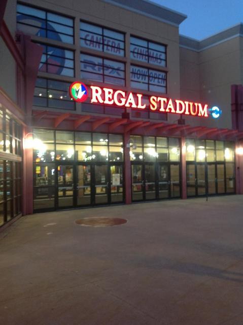 Regal Cantera Stadium 17 Rpx Movie Theater Arts Dupage