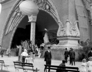 Worlds of Wonder: A Celebration of Chicagoland Amusement Parks