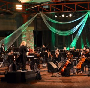 """New Philharmonic: """"Holiday Sing-Along with the S..."""
